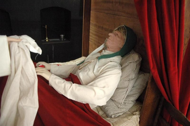 cr ation realisation fabrication costume de malade dans un h tel dieu costumi re c cile arnaud. Black Bedroom Furniture Sets. Home Design Ideas