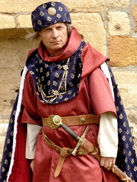 Les Voyageurs du Temps réalisent régulièrement des costumes historiques  archéo,compatibles pour des expositions à