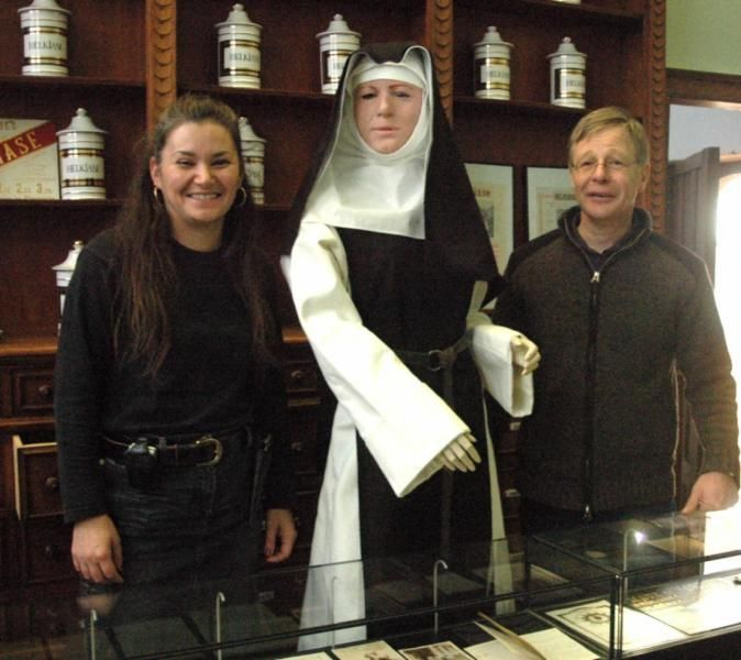 Cr U00e9ation  Realisation  Fabrication Costume De Religieuse